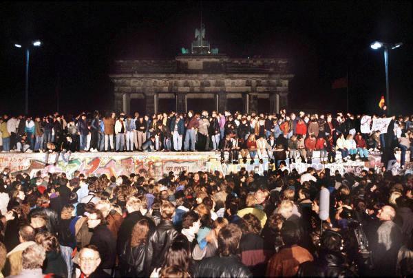 GERMANIA / Riunificazione, domani celebrazioni per i 20 anni della firma del Trattato