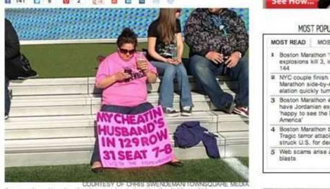 Moglie porta striscione allo stadio per smascherare il - Il marito porta la moglie a scopare ...