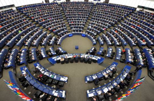 Ebola: risoluzione bipartisan del Parlamento europeo, le misure anti-epidemia