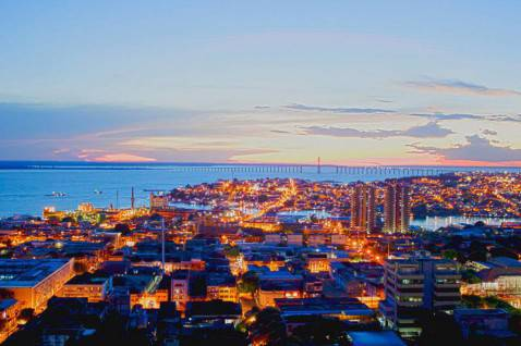 La città brasiliana di Manaus (Foto di União da Juventude Mestiça da Wikicommons (Licenza: CC BY-SA 3.0)