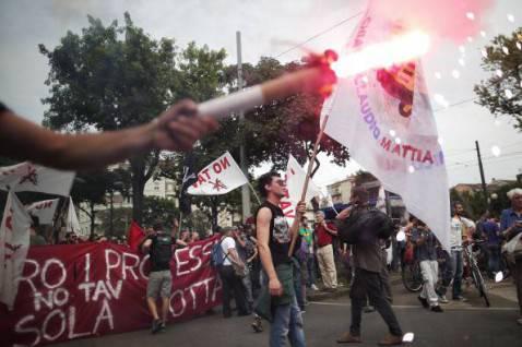 Una recente manifestazione antagonista in Piemonte (MARCO BERTORELLO/AFP/Getty Images)