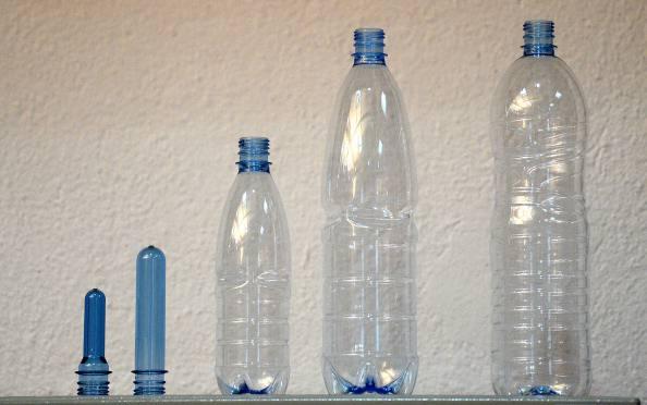Acqua, indagine Legambiente e Altreconomia: canoni ridicoli all'industria dell'imbottigliamento