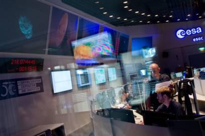 Sala di controllo dell'Agenzia Spaziale Europea (BORIS ROESSLER/AFP/Getty Images)