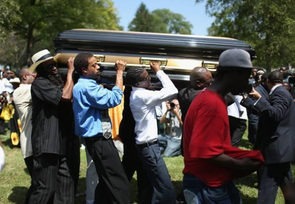 Ferguson, in migliaia ai funerali di Michael Brown