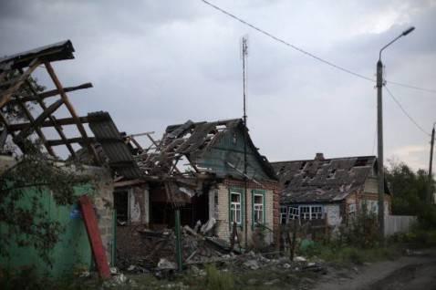 Case distrutte nei combattimenti in Ucraina (ANATOLII STEPANOV/AFP/Getty Images)