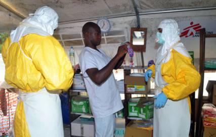 Virus Ebola: Medici Senza Frontiere in Guinea (Foto CELLOU BINANI/AFP/Getty Images)