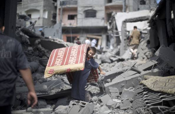 Gaza, riprende offensiva dell'esercito israeliano: cinque vittime palestinesi nella notte
