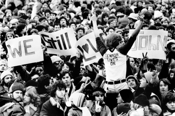Usa: il killer di John Lennon si pente per l'ottava volta, i giudici non si fidano