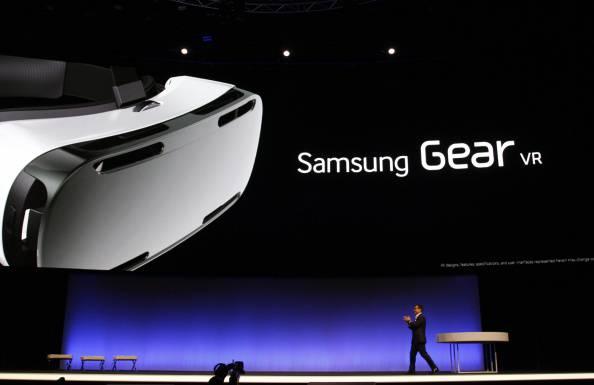 """Ifa di Berlino: Samsung sfida i Google Glass con """"Gear Vr ..."""