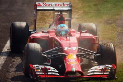 Fernando Alonso si ritira nel Gran Premio di Monza (getty images)