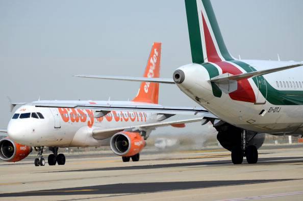 Panico sul volo Londra-Napoli per un vuoto d'aria (VIDEO)