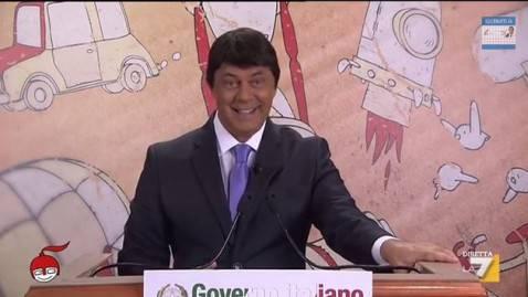 Crozza nell'imitazione di Matteo Renzi a DiMartedì (screenshot La7)