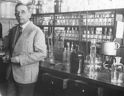 dr otto heinrich warburg pic Cancro: la vera causa fu scoperta nel 1931 (Ma hanno preferito non dirvela)
