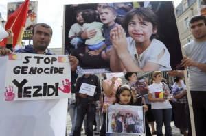 Proteste a sostegno della minoranza yazide (Getty images)