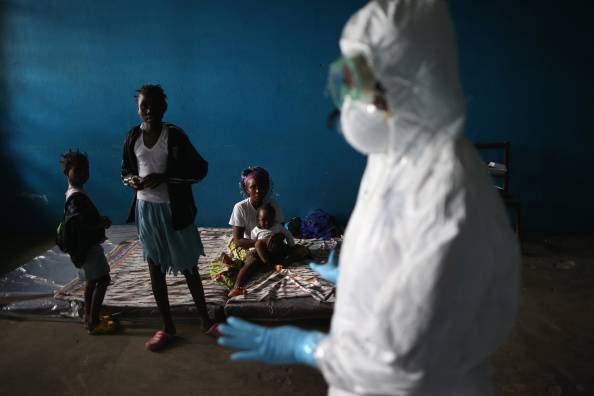 """Spagna, l'infermiera contagiata dall'Ebola: """"Ho rispettato il protocollo"""""""