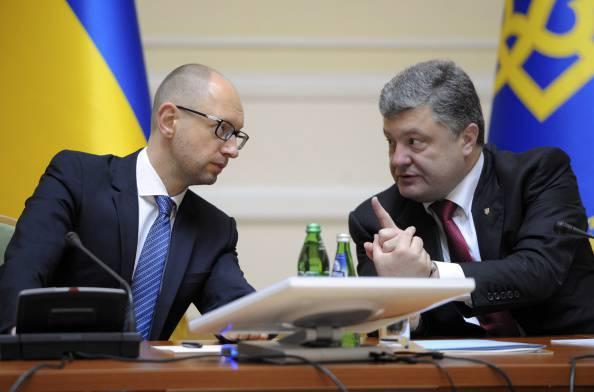 Ucraina, testa a testa tra Poroshenko e Yatsenyuk