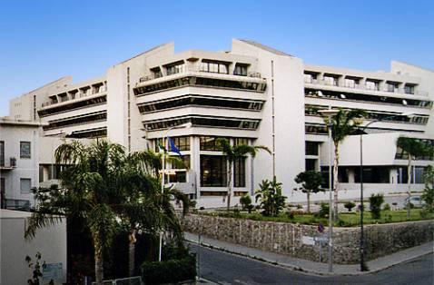Palazzo Campanella, sede della Regione Calabria (foto pubblico dominio)
