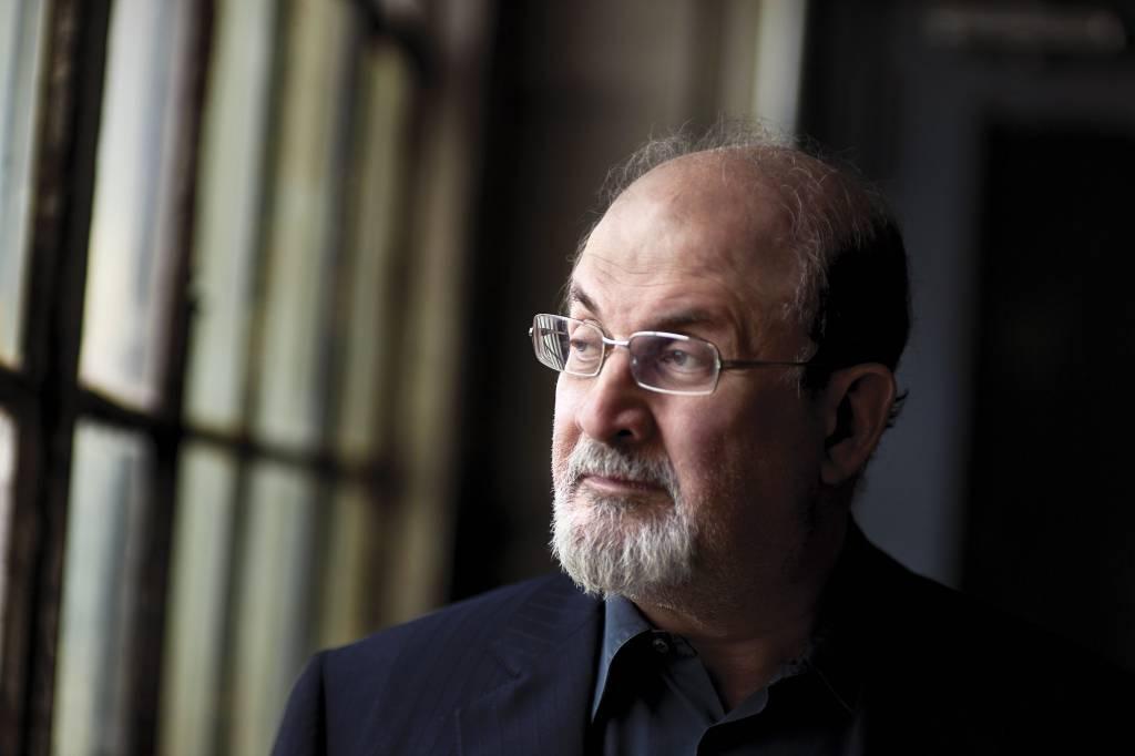 """Salman Rushdie: """"L'Isis? E' un esercito di conquista"""""""