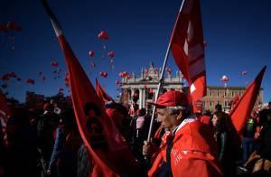 Manifestazione della Cgil a Roma il 25 ottobre 2014 (FILIPPO MONTEFORTE/AFP/Getty Images)