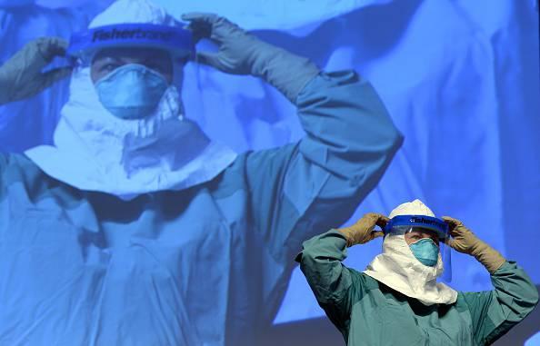 Ebola: primo allarme in Russia. Guarita la seconda infermiera in Usa