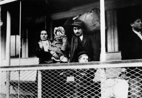 Emigrazione italiana (Lewis W Hine/Getty Images)
