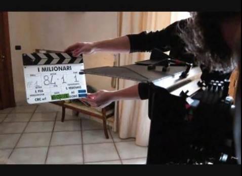 "Il set de ""I milionari"" (screenshot youtube Carmine RecanoChannel)"