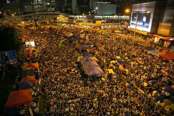Honk Kong: nulla di fatto nel primo incontro governo-studenti