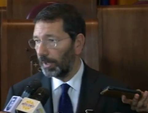 Giornata storica a Roma: Sindaco Marino trascrive unioni gay celebrate all'estero