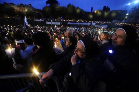 Veglia per la beatificazione di Papa Giovanni Paolo II (FILIPPO MONTEFORTE/AFP/Getty Images)
