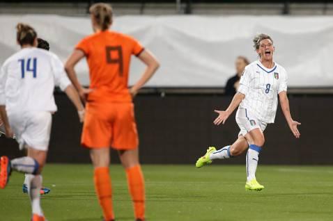 Melania Gabbiadini realizza il gol dell'1-1 contro l'Olanda (getty images)