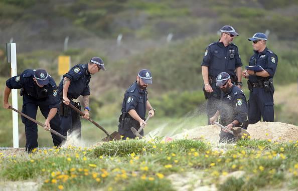 Australia: cadavere sepolto di un bambino trovato da due ragazzini