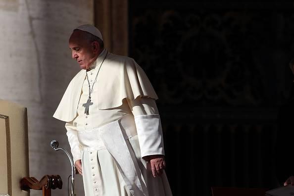 """Papa Francesco: """"Chiedere soldi per battesimi e messe è uno scandalo"""""""