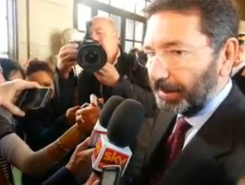 Roma: Marino nella stretta del multagate e il rimpasto della giunta