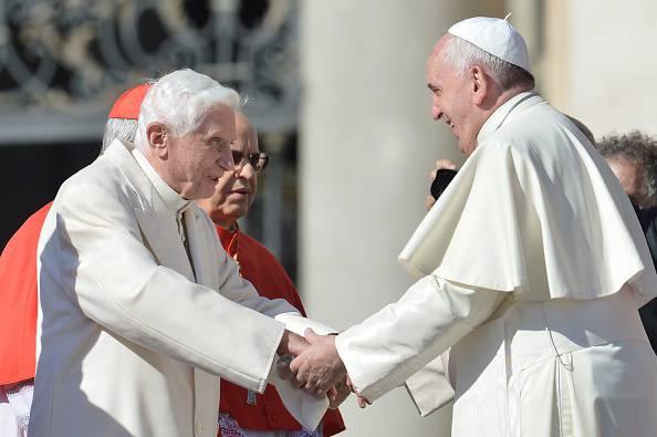 "Benedetto XVI come Papa Francesco ""I divorziati padrini ai battesimi"""