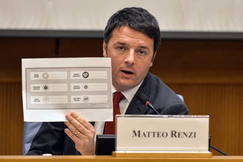 Renzi show in conferenza stampa (ANDREAS SOLARO/AFP/Getty Images)