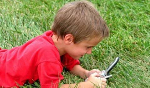 cellulari-bambini-e1317202677746