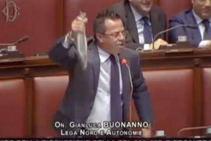 Gianluca Buonanno (screenshot Youtube)