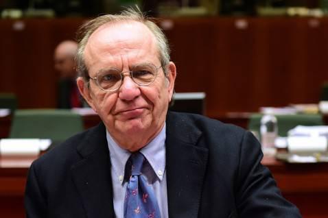 Il ministro italiano dell'Economia Padoan (EMMANUEL DUNAND/AFP/Getty Images)