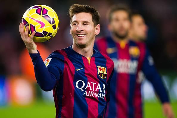 Numeri da circo di Leo Messi: la palla non cade mai… a 18 metri d'altezza! VIDEO