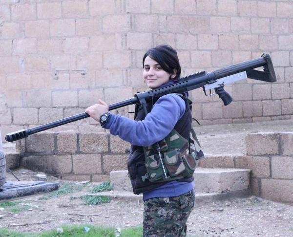 La bufala della foto di una delle cooperanti italiane rapite in Siria