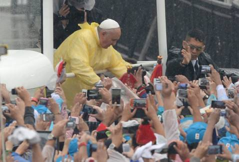 Il Papa nelle Filippine (TED ALJIBE/AFP/Getty Images)