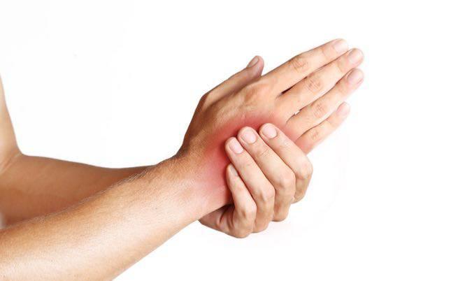 Il formicolio alla mano sinistra ci aiuta a capire che sta succedendo qualcosa, ecco cosa dobbiamo sapere