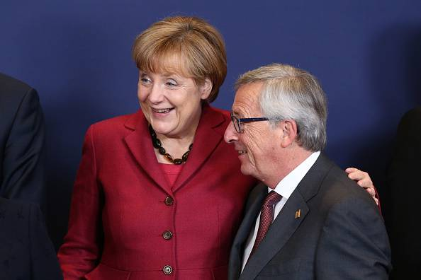 L'Eurozona cade in deflazione