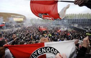 Tifosi del Feyenoord (MARCO DE SWART/AFP/GettyImages)
