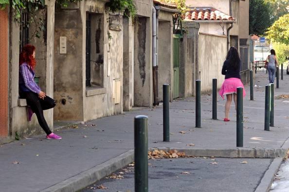 """A Napoli, la strada """"a luci rosse"""" è divenuta zona franca"""