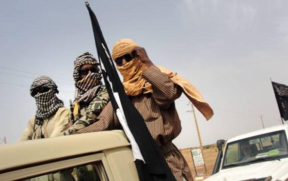 """L'Isis sfida l'Egitto: """"Pronti ad uccidere 21 cristiani copti rapiti in Libia"""""""