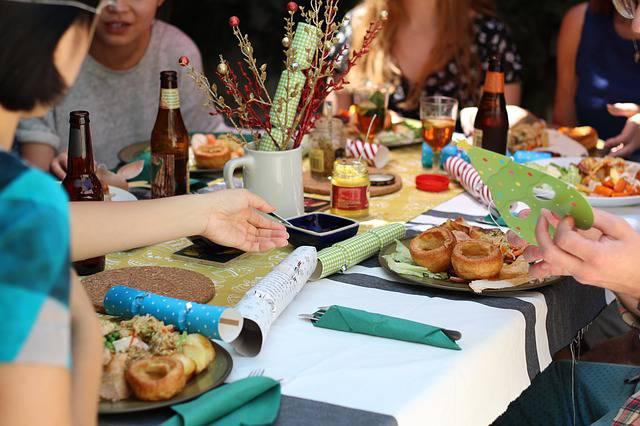 Cena a Pamplona senza pagare, fermati italiani: