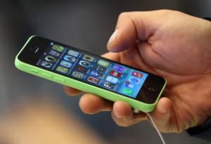 Apple Begins Selling iPhone 5 S/C In Berlin