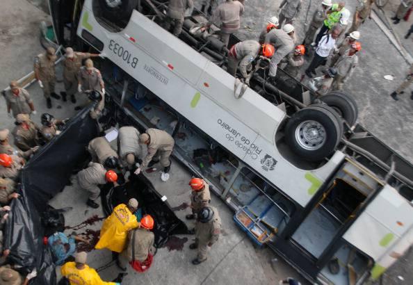 Brasile, autobus precipita da una rupe: 55 morti