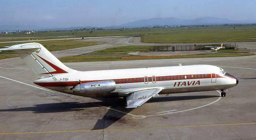 Il Dc-9 dell'Itavia (foto Piergiuliano Chesi, licenza CC-BY-SA-3.0)